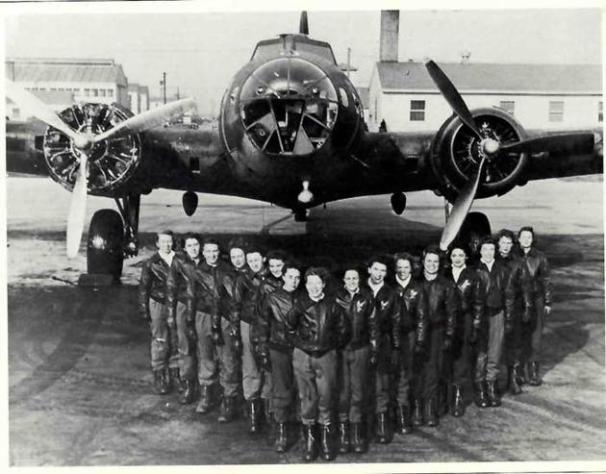 B-17-WASP-pilots