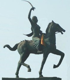 Statue at Agra