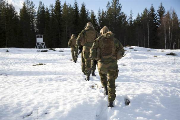 170413-norway-hunter-troops-cr-1121_ebc1c12c1e0be43113731389416f6df1.nbcnews-ux-1024-900